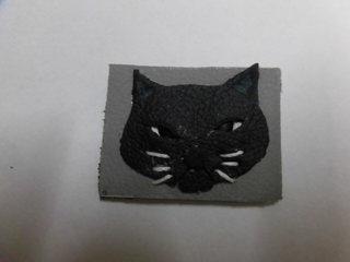ブローチ 黒ネコ.JPG