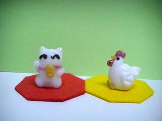 H28 招き猫と鶏.JPG