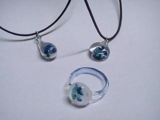 H29青い花のアクセ.JPG